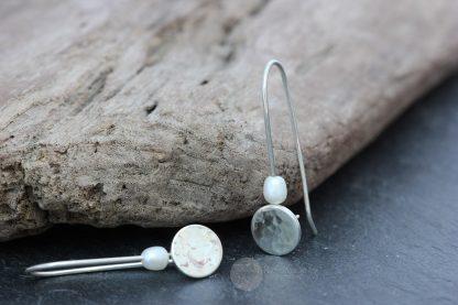 Hammered pearl threader earrings